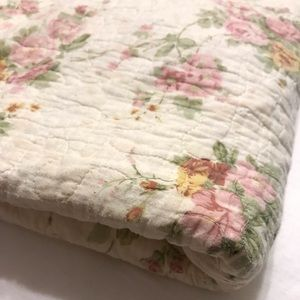 Shabby Chic Floral Quilt Twin Reversible